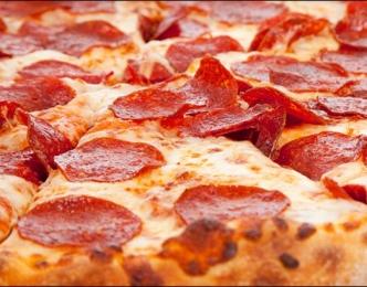 Pizza de salchichón