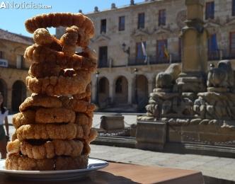 Las torres de torrezno, último reclamo turístico en Soria. (SoriaNoticias)